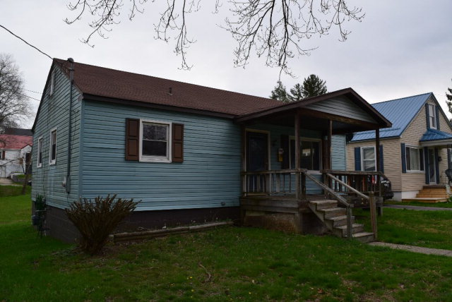 219 dorcas avenue beckley wv 25801 for sale for Home builders beckley wv