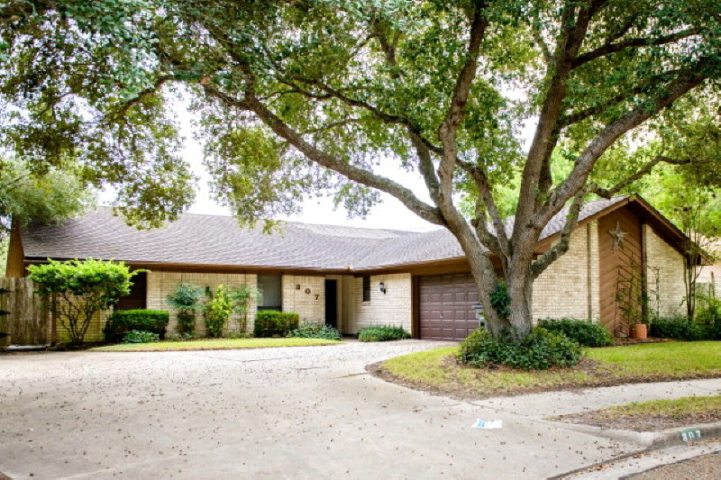 307 Taos Victoria Tx For Sale 179 500
