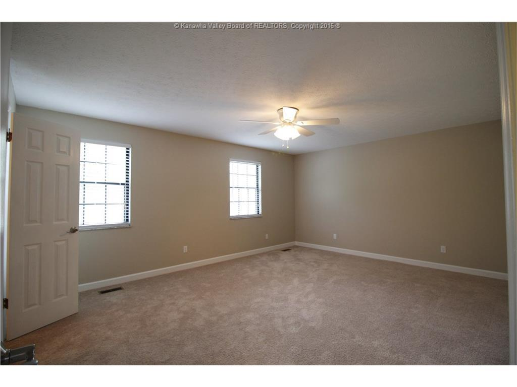 6032 Baker Road, Huntington, WV, 25705: Photo 11
