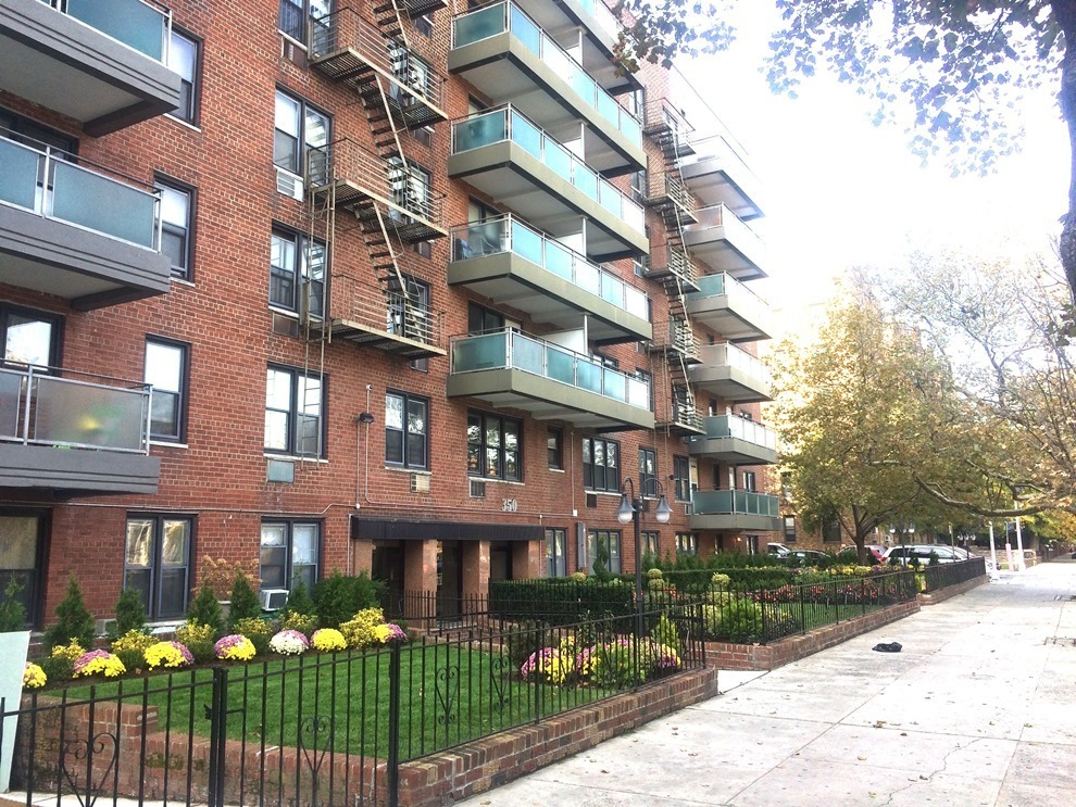 350 ocean parkway 1k brooklyn ny for sale 439 000 for Buy apartment brooklyn ny