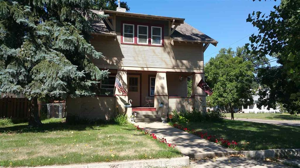102 9th st se minot nd for sale 189 900 for Nd home builders