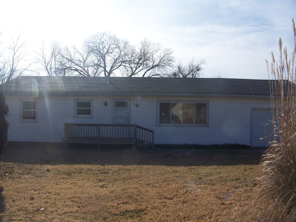 301 E B Ave South Hutchinson Ks For Sale 63 000