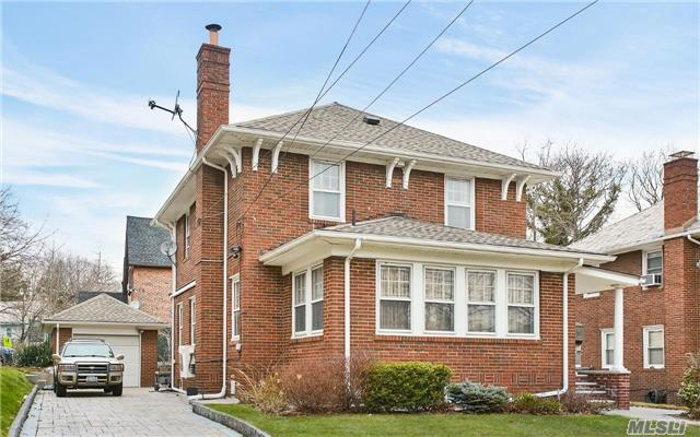 17621 henley rd queens ny for sale 949 000