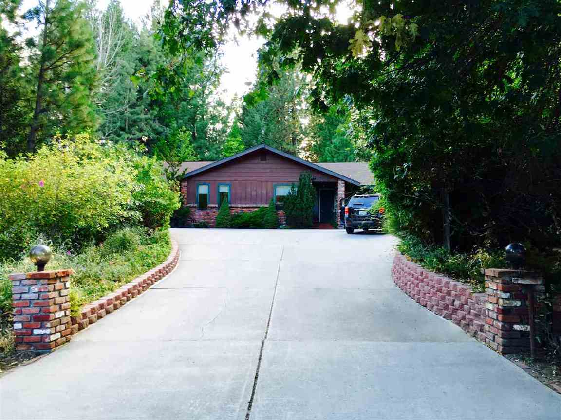 1700 w a barr road mt shasta ca for sale 315 000 for Mount shasta cabins for rent