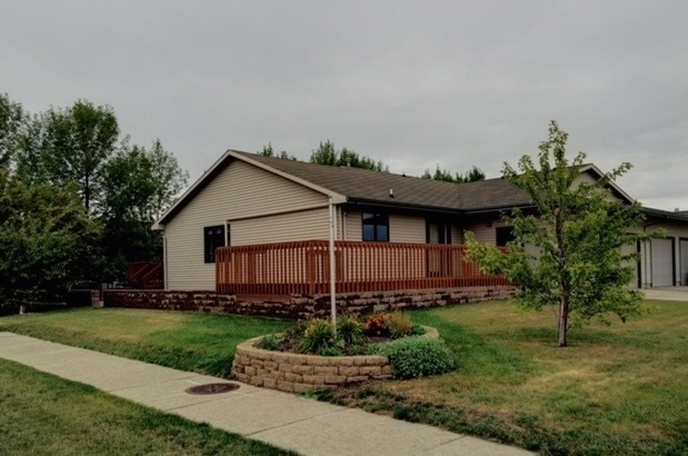 3212 4th st sw minot nd for sale 245 900 for Nd home builders