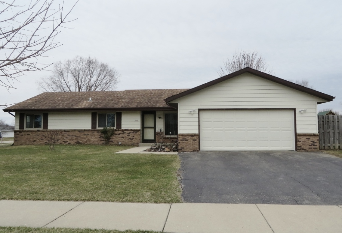 3516 curry ln janesville wi for sale 160 000