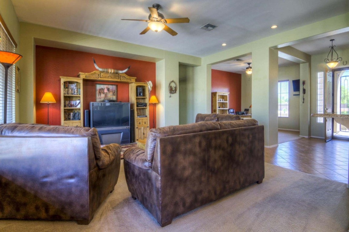 14554 W Desert Cove Rd, Surprise, AZ, 85379: Photo 6