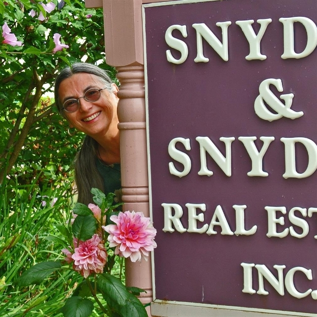 Agent: Barbara Snyder, AKRON, OH