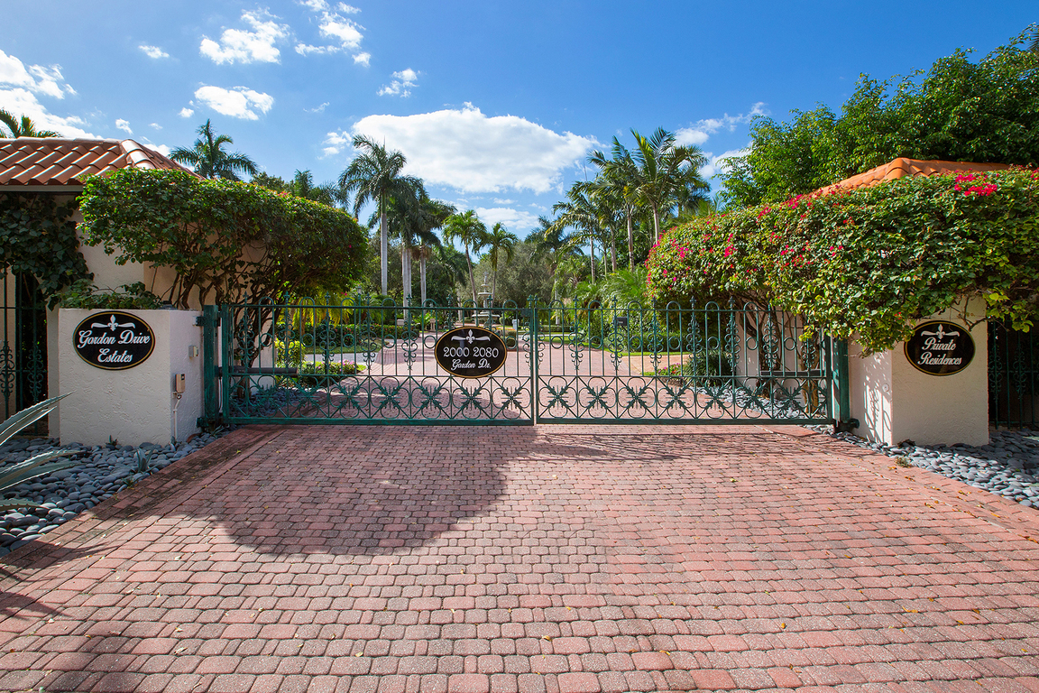 2030 gordon dr naples fl for sale 3 395 000