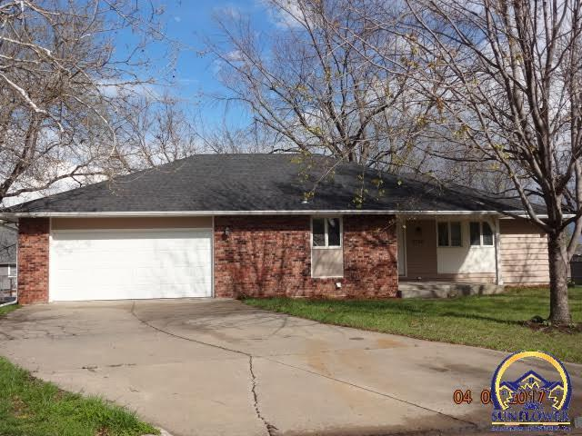 2720 Sw Maupin Ln Topeka Ks For Sale 162 000