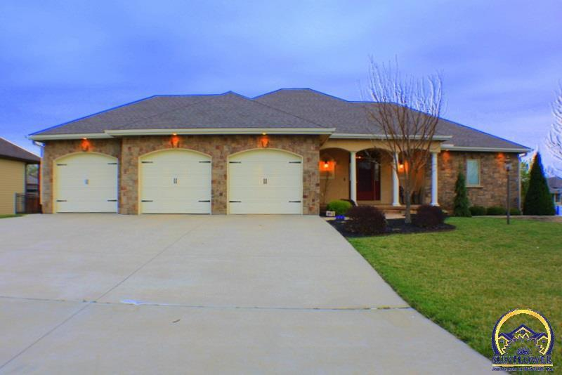 5020 nw derby dr topeka ks for sale 372 500 for Topeka home builders