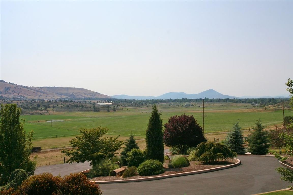 4031 Beverly Dr., Klamath Falls, OR, 97603 -- Homes For Sale
