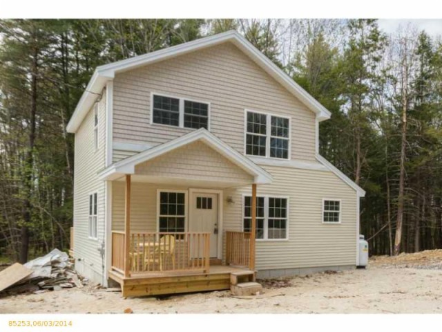 17 Oak Avenue, Freeport, ME, 04032 -- Homes For Sale