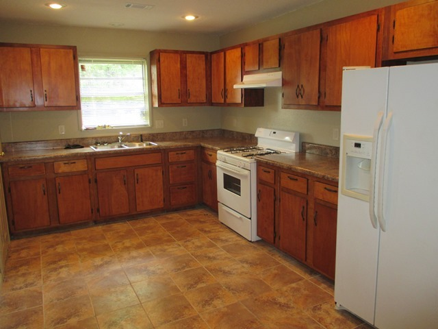 1603 Robins, Conway, AR, 72034 -- Homes For Sale
