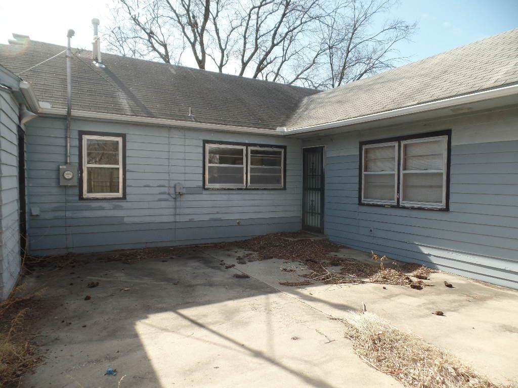 2200 8th ave sw topeka ks 66606 for sale