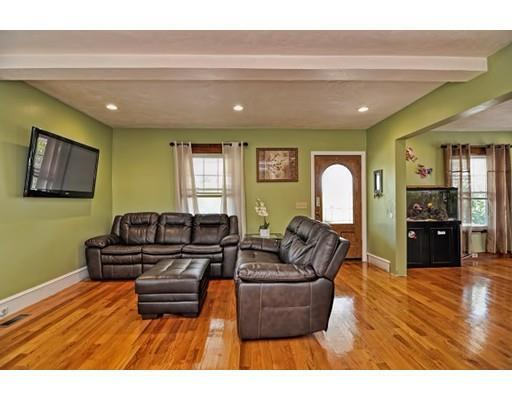 86 Randolph Rd, Worcester, MA, 01606: Photo 4
