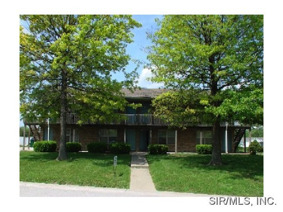 11 West Pheasantwood Court, Belleville, IL, 62226 -- Homes For Rent