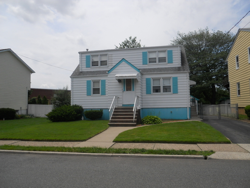 67 Dyer Ave, South Hackensack Township, NJ, 07606: Photo 2
