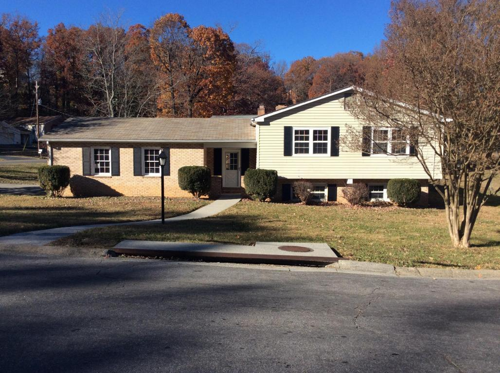 3961 sandpiper dr roanoke va for rent 1 700 for Home builders roanoke va
