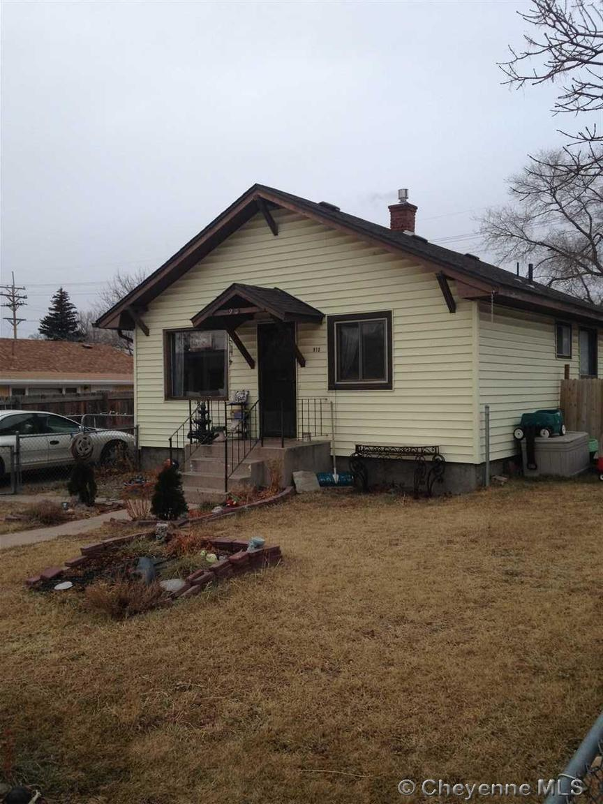 910 e 5th st cheyenne wy for sale 132 000 for Cheyenne houses