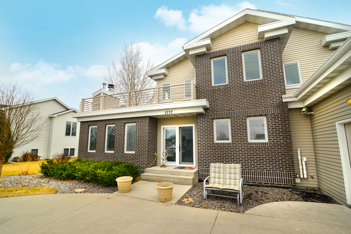 Browse 3 grand forks nd condos for sale for Home builders grand forks nd