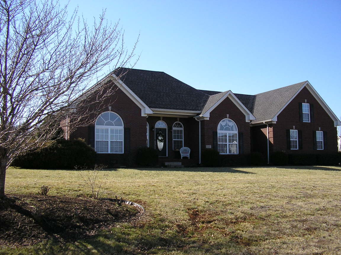 727 hunters run ave bowling green ky 42104 for sale for Home builders bowling green ky