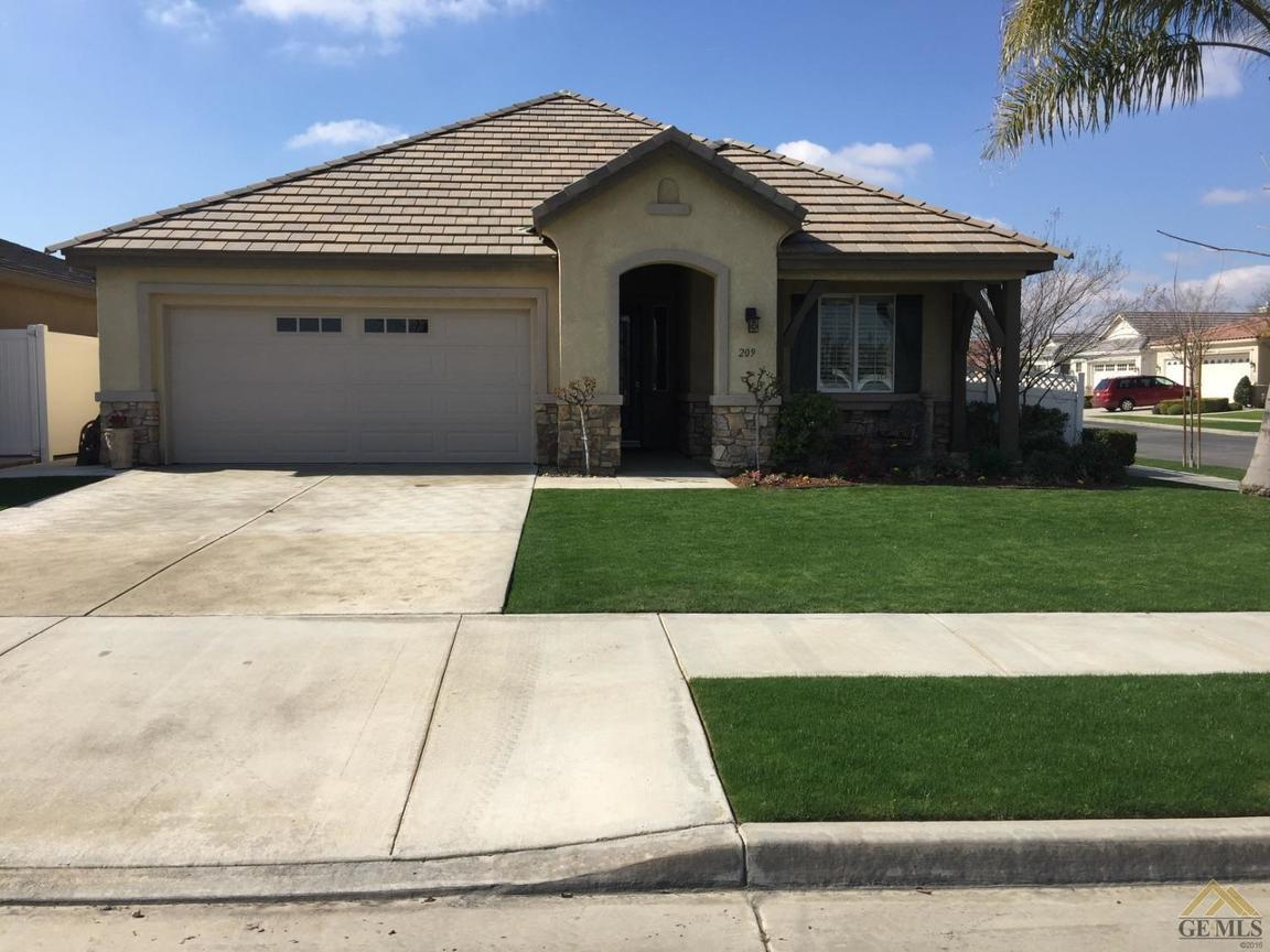 209 coachman way bakersfield ca for sale 257 000 for Builders in bakersfield