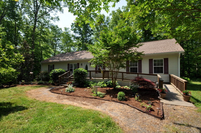251 Grand Villa Drive, Weems, VA, 22576: Photo 1