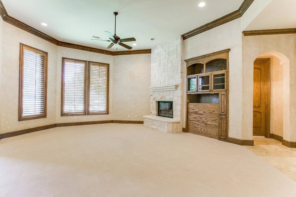 6729 Harbour Town Lane, Fort Worth, TX, 76132: Photo 9