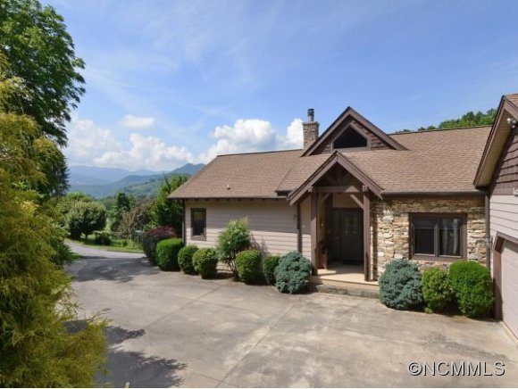33 Banker Drive, Waynesville, NC, 28786 -- Homes For Sale
