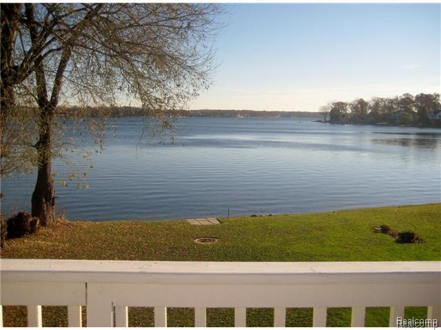 1869 Union Lake Road, Commerce Township, MI, 48382 -- Homes For Sale