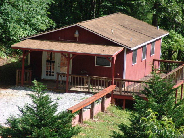 331 Sunny Lane, Franklin, NC, 28734 -- Homes For Sale