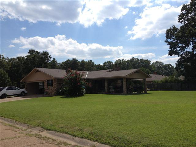 600 White Oak, Brookhaven, MS, 39601 -- Homes For Sale