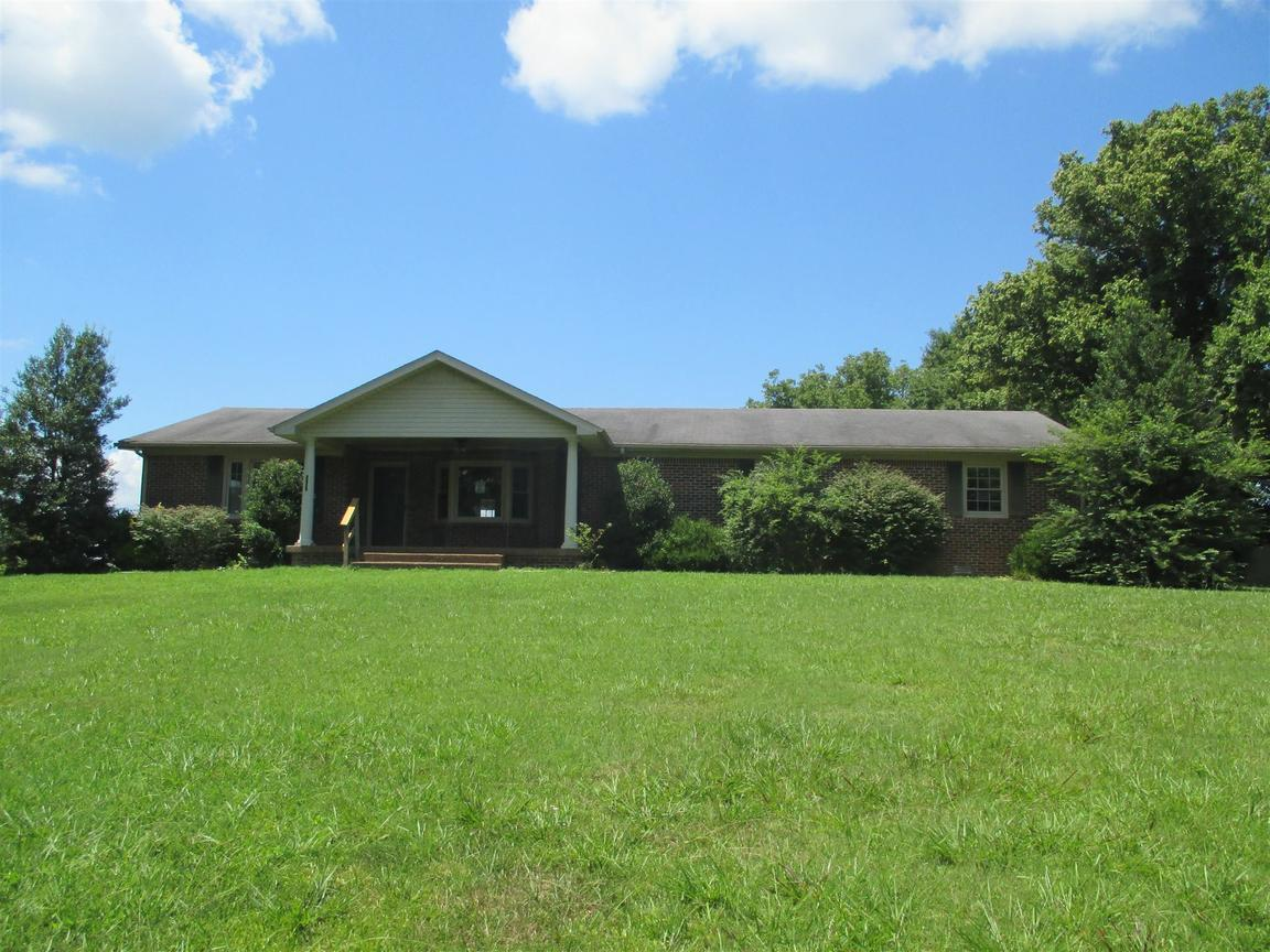 2237 Forks River Rd, Waverly, TN, 37185: Photo 1