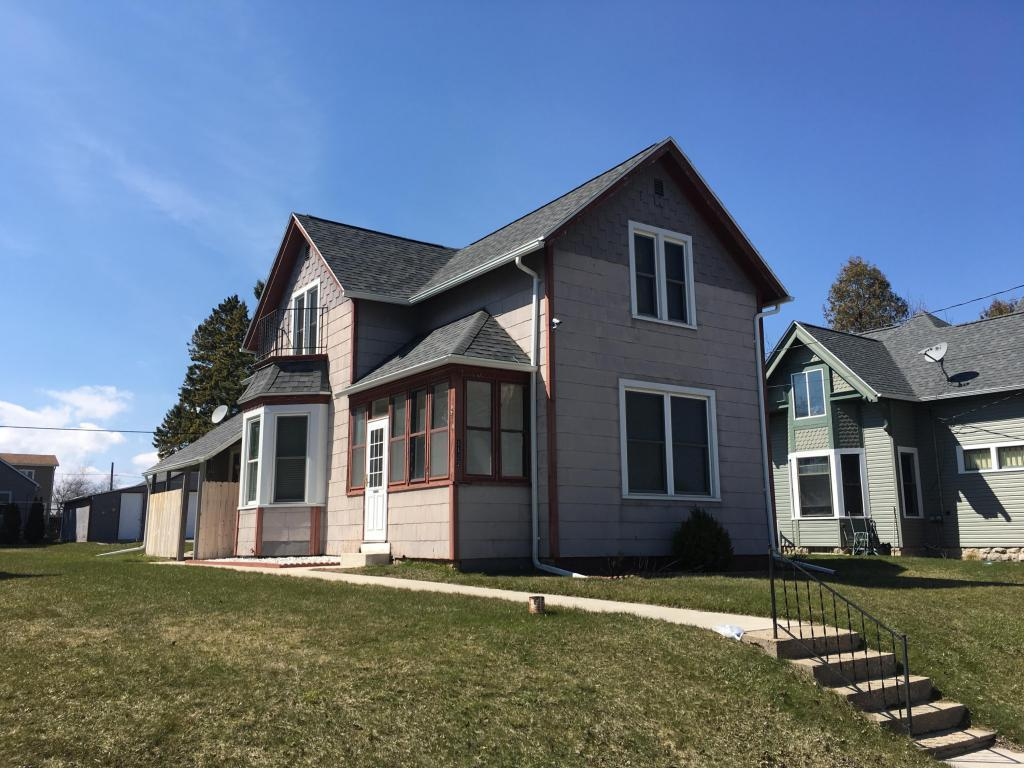 1122 s 12th st manitowoc wi for sale 60 000 for Home builders wisconsin