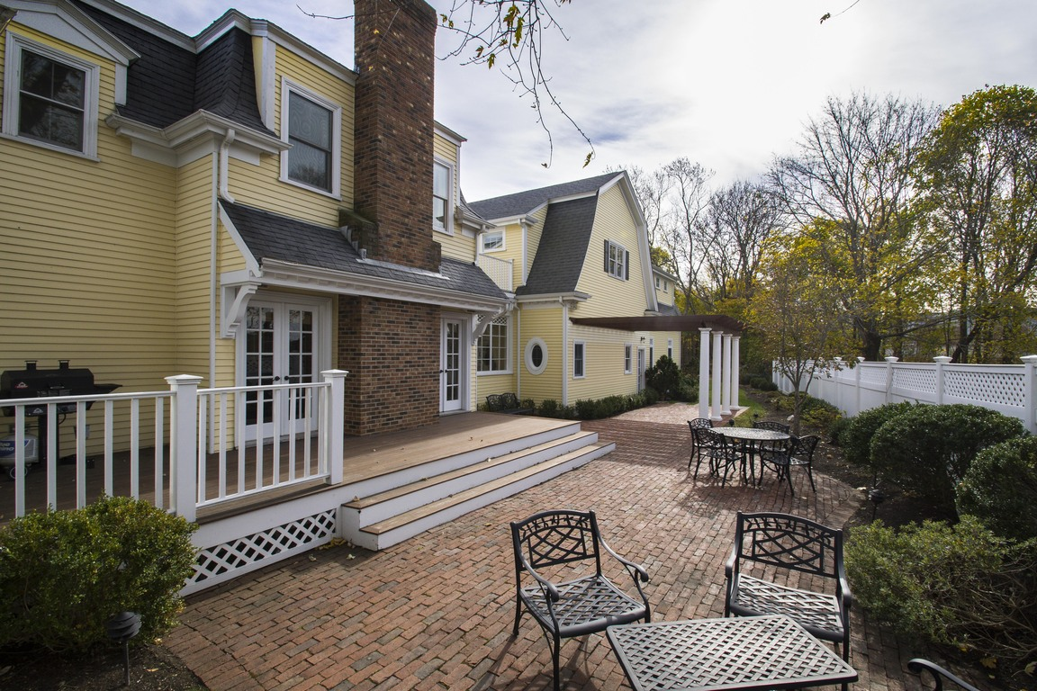 113 saint george street duxbury ma 02332 for sale for Mass street fish house