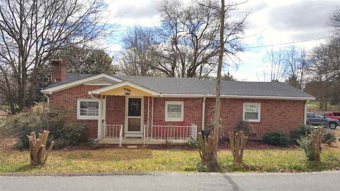 210 Circle Road Greer Sc 29651 For Sale