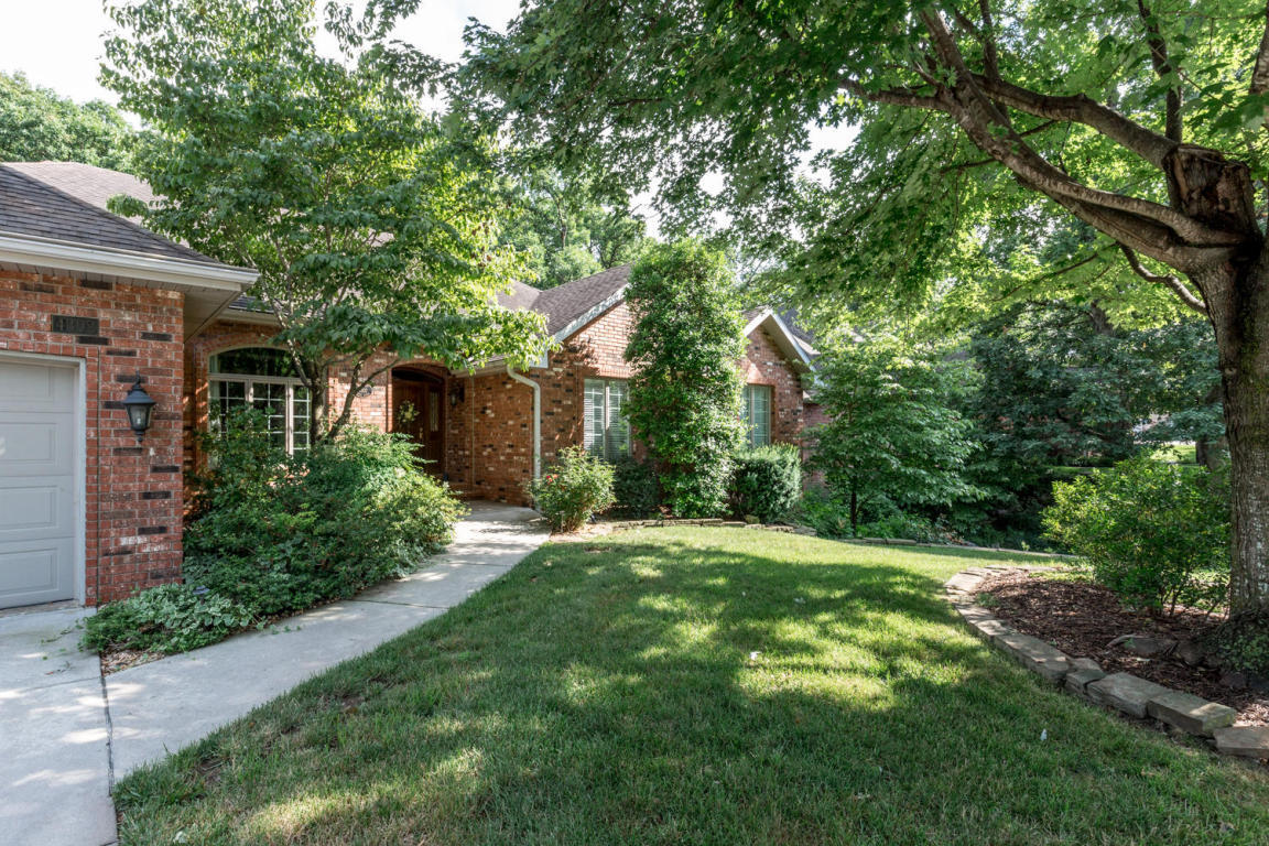 4302 east misty woods street springfield mo for sale for Classic wood floors springfield mo