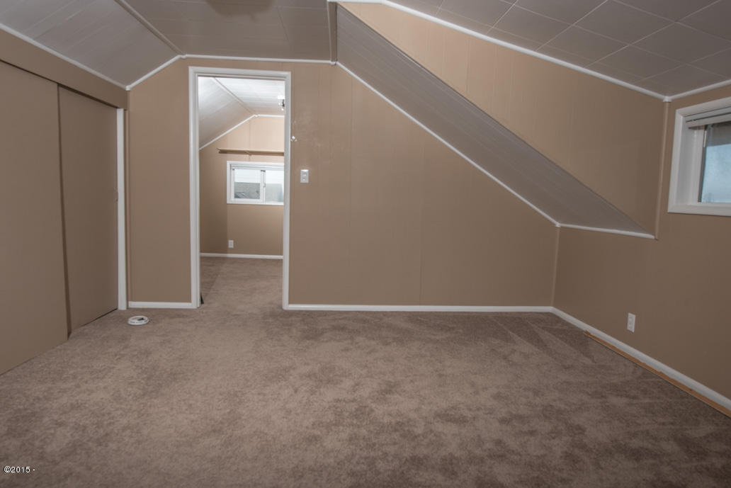 102 Nw High, Newport, OR, 97365: Photo 13