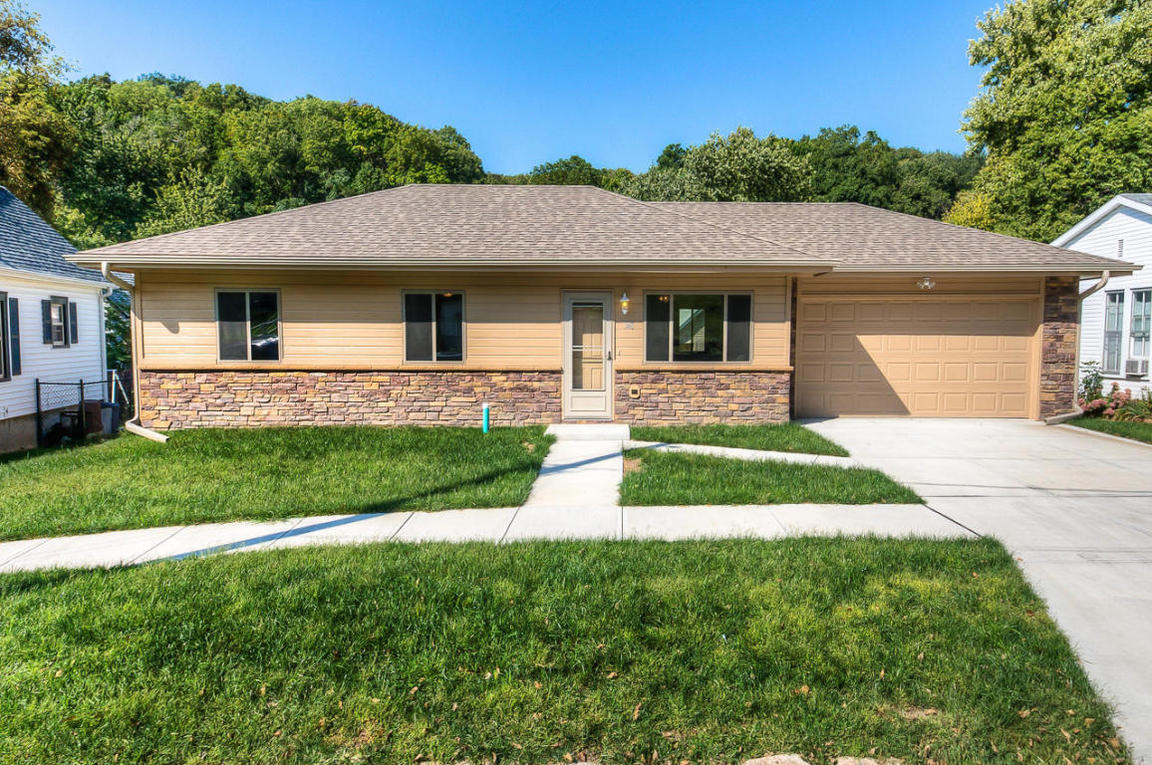 348 Benton Street Council Bluffs Ia For Sale 126 000
