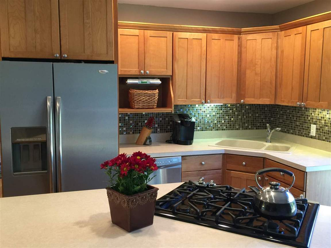 13081 Boulder Farm Dr, Charlevoix, MI, 49720: Photo 9