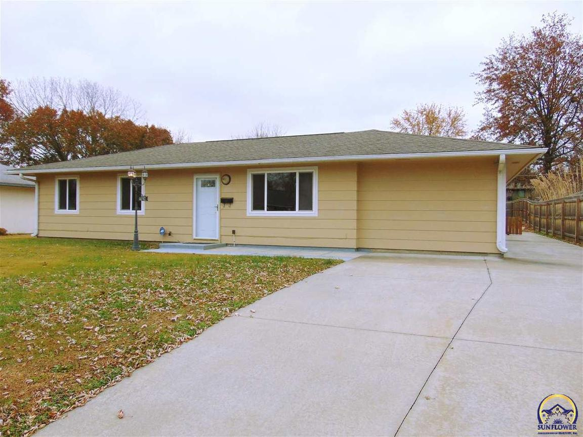 4017 34th St Sw Topeka Ks For Sale 107 000