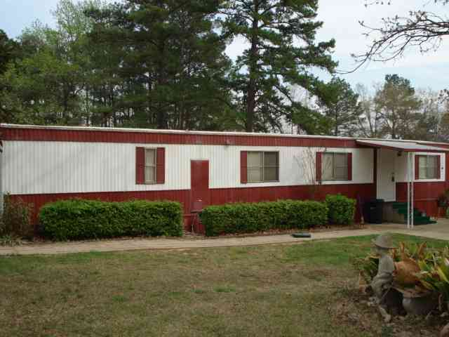108 W Lake Devernia Rd., Longview, TX, 75604: Photo 2