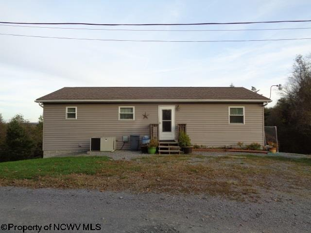 215 edna gas road morgantown wv for sale 149 900 for Wv home builders