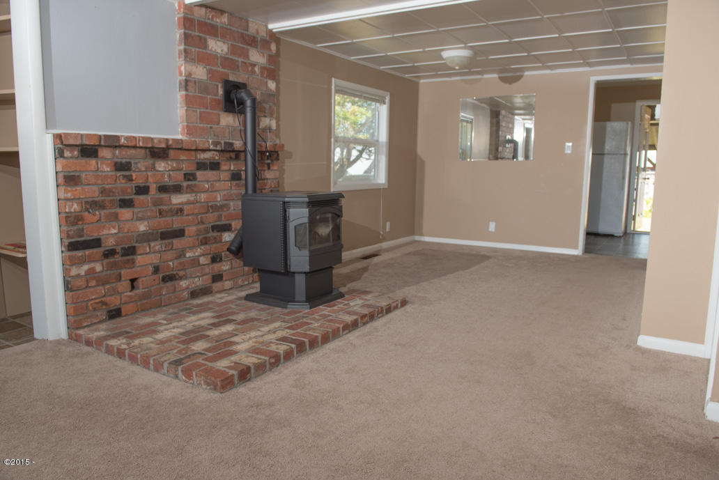 102 Nw High, Newport, OR, 97365: Photo 8