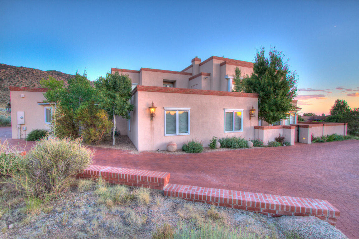 13716 Canada Del Oso Place Ne, Albuquerque, NM, 87111: Photo 1
