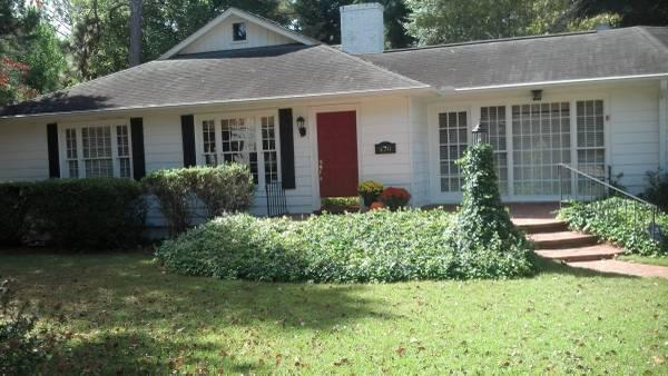 470 E Indiana Avenue Southern Pines Nc For Rent 1 200
