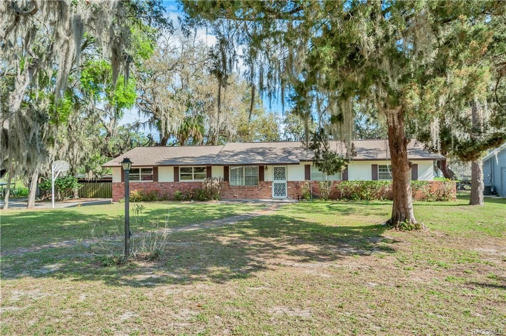 7815 e allen drive inverness fl for sale 184 900