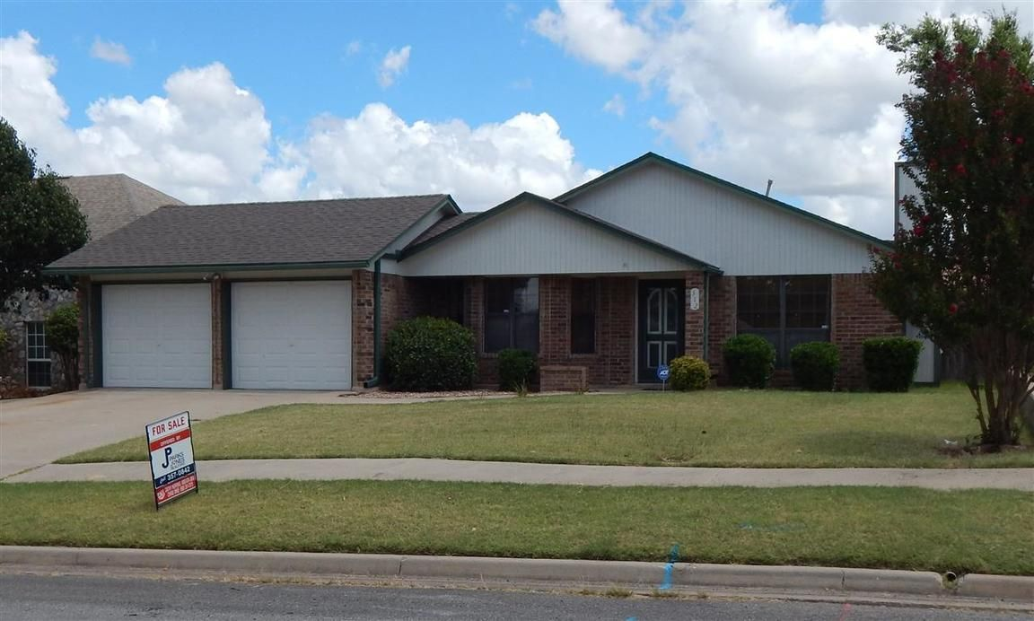 312 sw 79th st lawton ok for sale 129 900 for Ok home builders