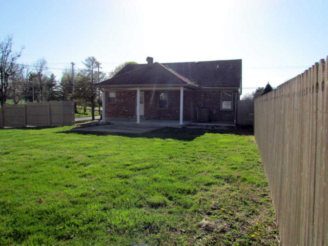104 windsor drive richmond ky 40475 for sale for Home builders richmond ky
